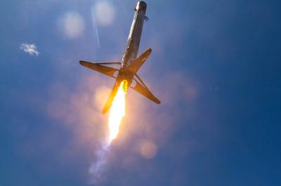 Близкий взгляд на посадку ракеты SpaceX [ВИДЕО]