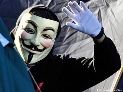 Хакеры из Anonymous объявили «охоту» на Илона Маска [ВИДЕО]