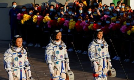Сделано в Китае #278: сроки полёта человека на Марс и парящий остров