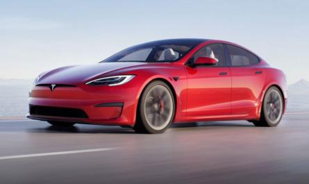 Tesla Model S побил рекорд Bugatti Chiron Sport в заезде на четверть мили