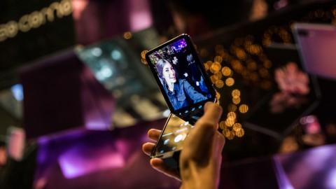 Вау-эффект и комфорт в работе: преимущества перехода на складные смартфоны