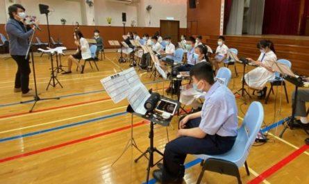 Школьники устроили настоящий концерт, используя только планшеты