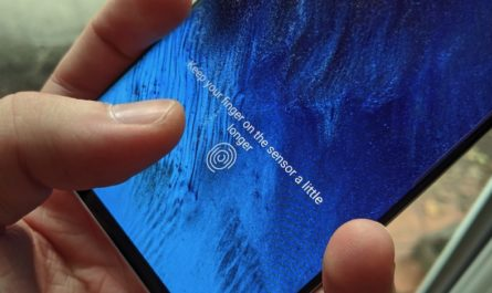 Bloomberg: новые iPhone получат подэкранные Touch ID и Face ID