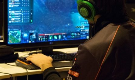 Ценное время. В Китае ужесточили ограничения для несовершеннолетних геймеров