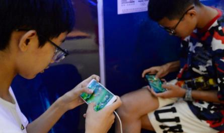 «Духовный наркотик». Tencent ограничивает игровые сессии для детей