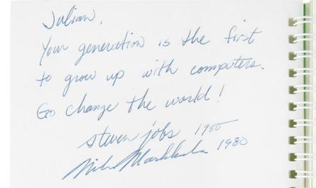 Инструкцию от компьютера Apple II продали за почти $800 000
