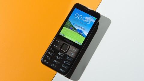 Philips Xenium E590: когда нужно не только позвонить