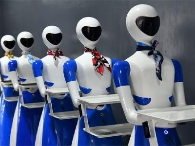 Робот-официант помогает ресторану пережить сложные времена [ВИДЕО]