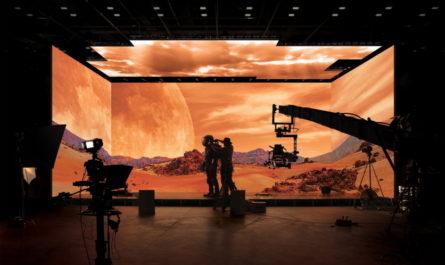 Samsung создала виртуальную киностудию с 20-метровым 16K-экраном