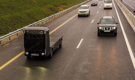 Названы сроки запуска беспилотных грузовиков на дорогах России
