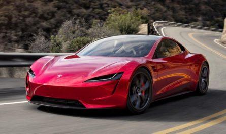 Выход Tesla Roadster снова отложен. Илон Маск объяснил почему