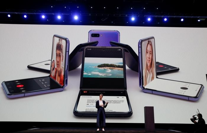 Samsung представил новый складной смартфон и три флагманских Galaxy S20