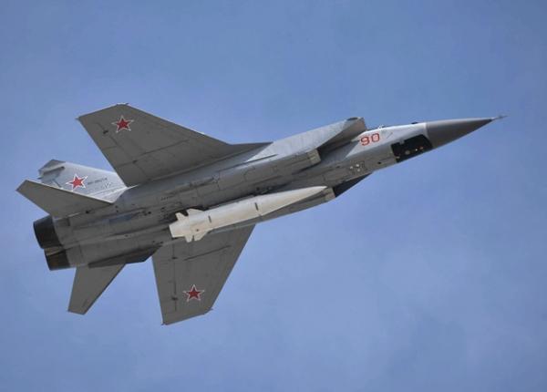 Бомбардировщики Ту-160 получат гиперзвуковые «Кинжалы»