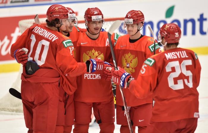 Россия разгромила Германию и вышла в четвертьфинал молодежного ЧМ