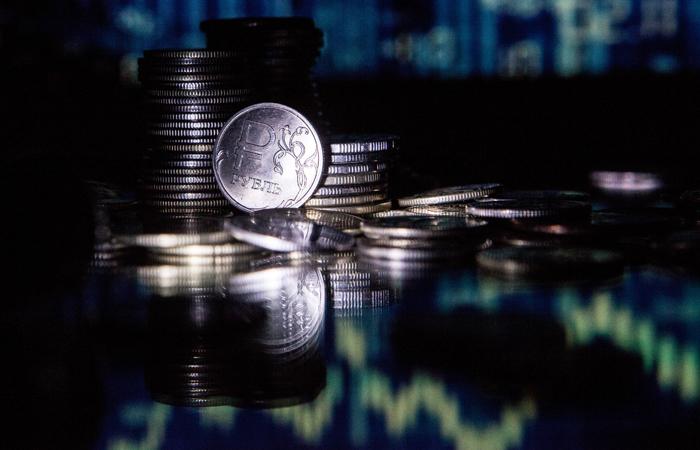 Рубль уверенно вырос к доллару и евро по итогам 2019 года