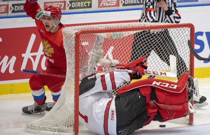 Россия с рекордным счетом победила Канаду на молодежном ЧМ по хоккею